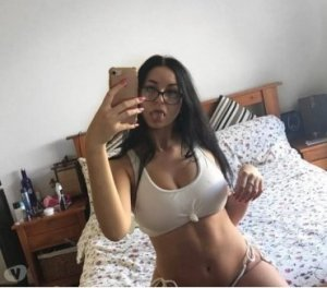 Maellyss cheap escort in Bad Bevensen